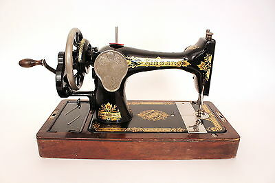 Singer Sewing Machine 15K in Full Working Condition with Case & Key - Circa 1921
