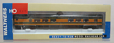 Walthers 932-6761 Pullman-Standard 52-Seat Coach Great Northern HO Scale NOS