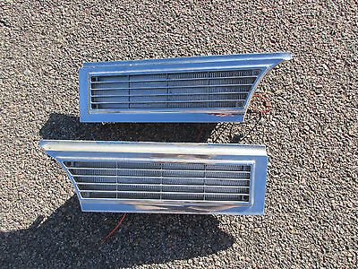 1965 CADILLAC FRONT PARK / TURN LIGHT grill grille lamps pair