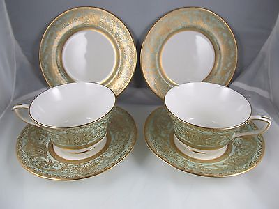 Royal Worcester  Fine Quality 2 Cup Saucer & Bread Plates Excellent Condition