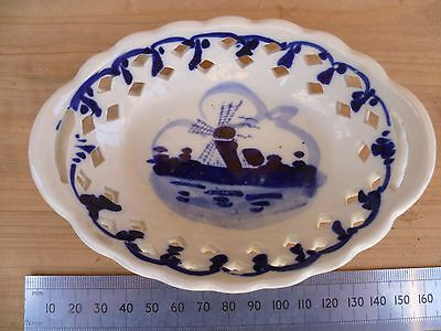Vintage Old Blue & White Small Dutch Scene Dish Plate,  (B841)