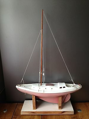 Huge Vintage 1960's Red Triang Model Boat Pond Sailing Racing Yacht On Stand