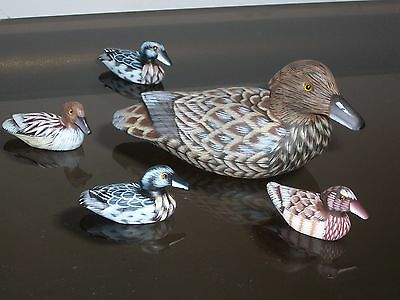 A set of five female ducks (model 913-F+4), hand-made in early 90's