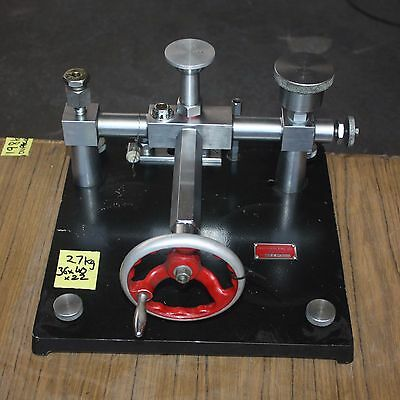 Precision Eng Co No.694 dead weight tester pressure calibrator with weight set
