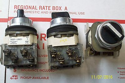 ALLEN BRADLEY 3 POSITION MAINTAINED SELECTOR SWITCH w CONTACT , 800T-J2KC1