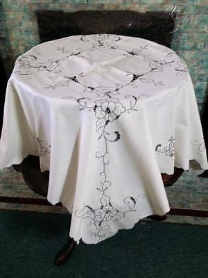 "Vintage Tablecloth & 4 Napkin Set Embroidered Floral & Cutwork Lace 40"" Luncheon"