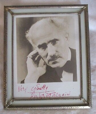 SIGNED ARTURO TOSCANINI CONDUCTOR-COMPOSER PHOTO IN ANTIQUE GLASS FRAME 9.5x10.5