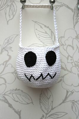 Crochet Ghost Trick or Treat Bag, Hallowe'en Candy Bag, White Ghost Party Bag