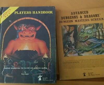 Advanced dungeons & dragons players guide book & 2 master screens 1979 and RARE