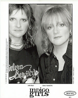 Indigo Girls, COOL official 8x10 press photo! 2002 shot, record company portrait