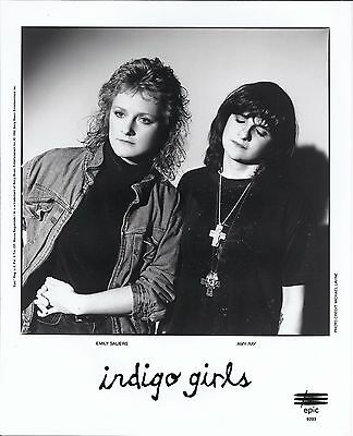 Indigo Girls, COOL official 8x10 press photo! 1992 shot, record company portrait