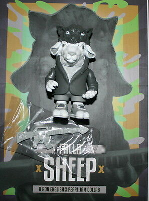 Pearl Jam Ron English Falla Sheep Vinyl Figure Grey Save The Wolves