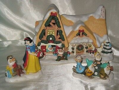 2004 Disney Snow White and The Seven Dwarfs Lighted Cottage Works 3 Piece Set