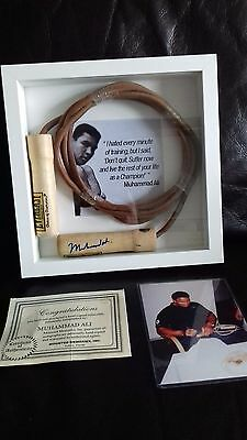 Muhammad Ali signed Skipping rope displayed with COA & photo proof rare