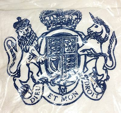 New Buckingham Palace White & Blue Terry Cloth Bath Mat Towel Hard To Find!!