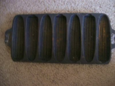 Vintage Cast Iron 7 Ear Corn Bread Muffin Pan Mold