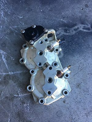 Evinrude Etec  25hp 30hp  outboard cylinder head 353067