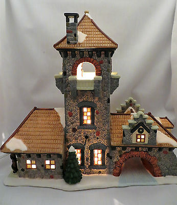 St Nicholas Square Brewery 1999 Christmas Village Town Lighted Building Retired