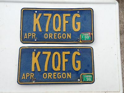 Old Vintage 1965 up to mid 70s OREGON BLUE on YELLOW LICENSE PLATES Match Pair
