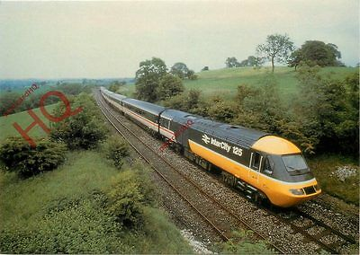 Postcard: INTERCITY 125 HIGH SPEED TRAIN IN THE LATEST LIVERY