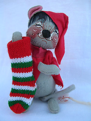 Vintage Annalee Mobilitee Christmas Mouse Doll Holding Stocking 1989