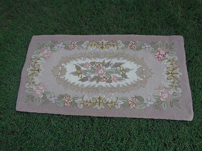 Estate Sale Beautiful Shabby Vintage Hooked Rug  Floral Chic 46  X 24