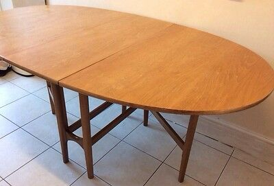 1960's Quality Nathan Teak Double Gate Leg Drop Leaf Oval Dining Table Kitchen