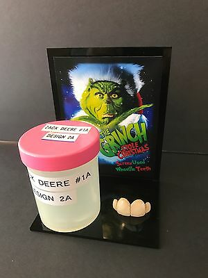 The Grinch - Whoville Character Teeth Display
