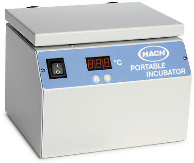 HACH portable incubator 25699-00  with power supply 25804-00 TESTED PERFECT