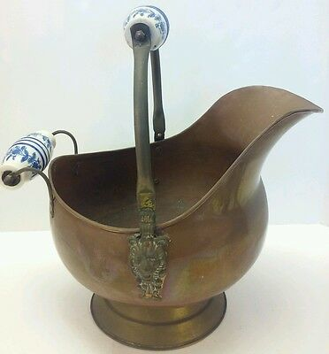 vintage COPPER Brass COAL Ash SCUTTLE Bucket Delft handles Lions Large