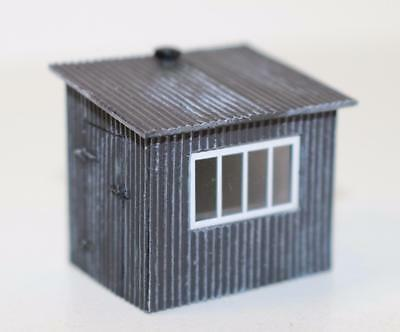 OO 1:76 44-558 Bachmann Scenecraft Corrugated Metal Shed New FNQHobbys