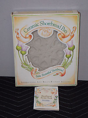 Brown Bag Cookie Art Ceramic Shortbread Pan Scallop Heart Style + Box Never Used