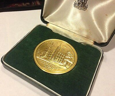 Royal Mint Warders Of The Tower Of London Yeoman Commemorative Medal