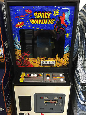 Space Invaders arcade machine midway 1978