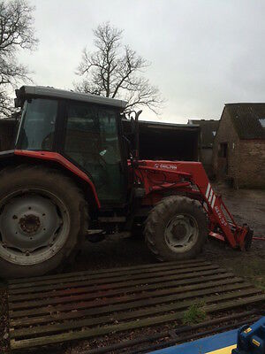 Massey Ferguson 6140 4x4 Tractor With Loader