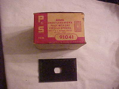 Box of 10 NOS / New Old Stock Uniline Single Gang Brown Switch Plates Unusual