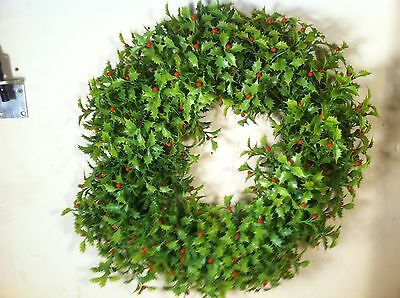 Vtg plastic Door Christmas Wreath decor Holly Berry