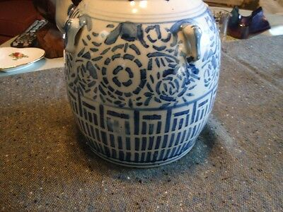 Vintage Chinese Large Blue And White  Wine Pot With Lid