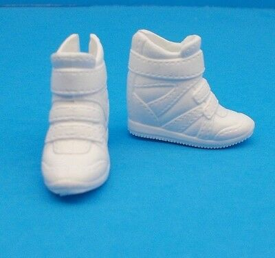 2016 Barbie Shoes Evolution Fashionista CURVY & TALL Doll White Sporty Sneakers