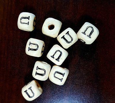 36 Dados letra U de madera color natural 10 mm cubes dices letras letter U beads