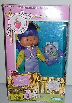 Vintage 1980's STRAWBERRY SHORTCAKE ALMOND TEA DOLL & PET Marza Pands KENNER