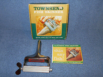 Vintage Townsend Fish Skinner With Original Box & Instruction Manual - Excellent