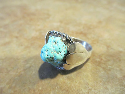 Vintage NAVAJO Sterling Silver NATURAL Turquoise Ring    Size 7