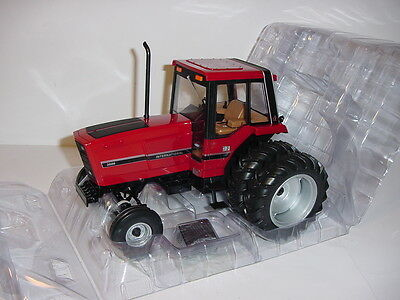 NEW 1/16 International 3688 NFTS Museum Edition Tractor W/Cab & Duals NIB!