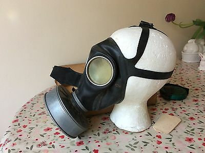 WW2 German civilian gas mask, boxed, mint with filter etc MUST SEE