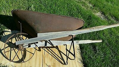 Antique Vintage Iron Metal Wheel Wood Handles Farm Wheelbarrow Wheel Barrow#56lb