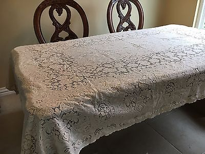 "Thanksgiving Quaker Lace Tablecloth Excellent Condition 100"" x 65"" Scalloped Edg"