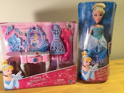 Disney Princess Cinderella's Enchanted Vanity & Royal Shimmer Cinderella Doll