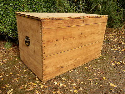 Pine chest, trunk, toy box, storage, coffee table