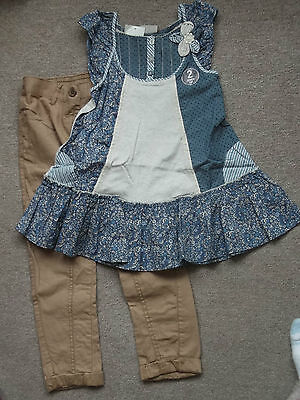 NEXT Gorgeous Blue Ditsy Top & Beige Chinos 5-6 BNWT